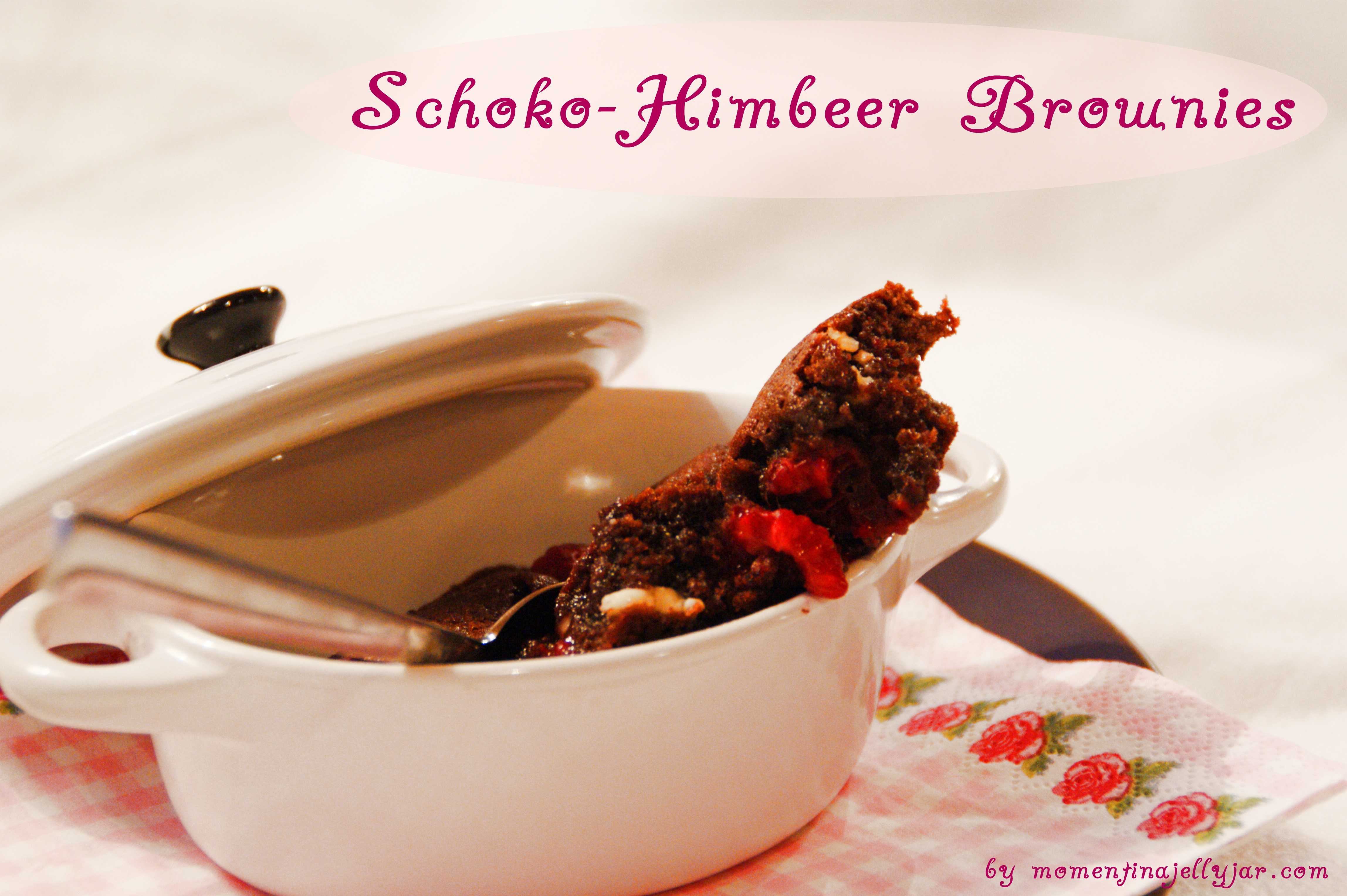 Himbeer-Schoko-Brownies by momentinajellyjar.com