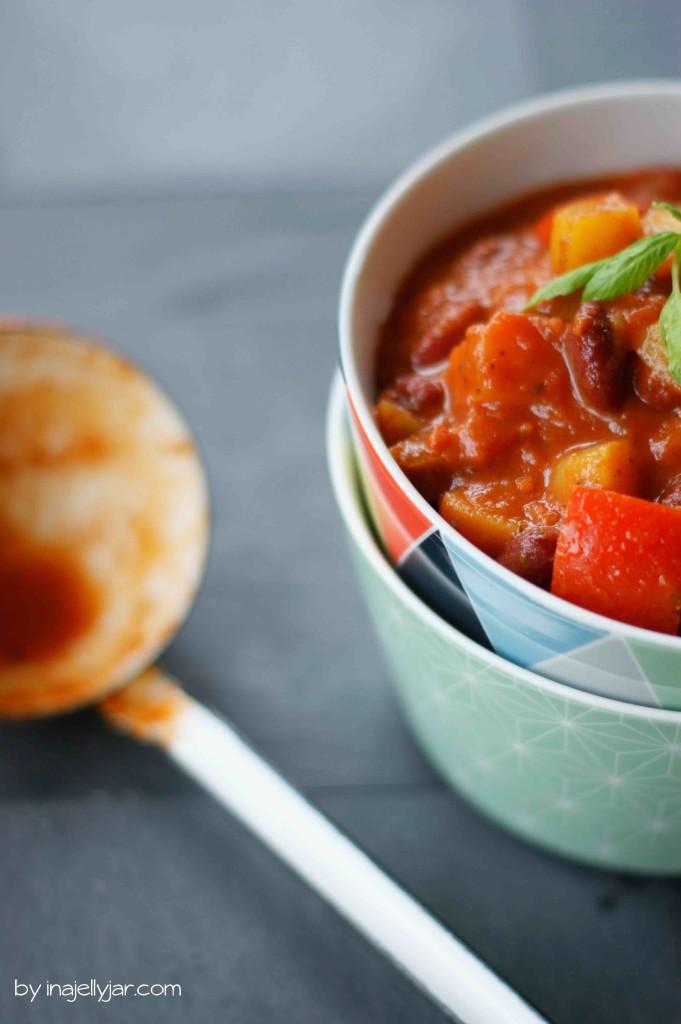 Veganes Chili mit Kartoffeln und Bohnen