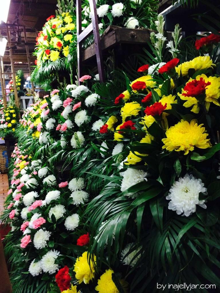 Farbenfrohe Blumengestecke in Chinatown - Bangkok - Thailand