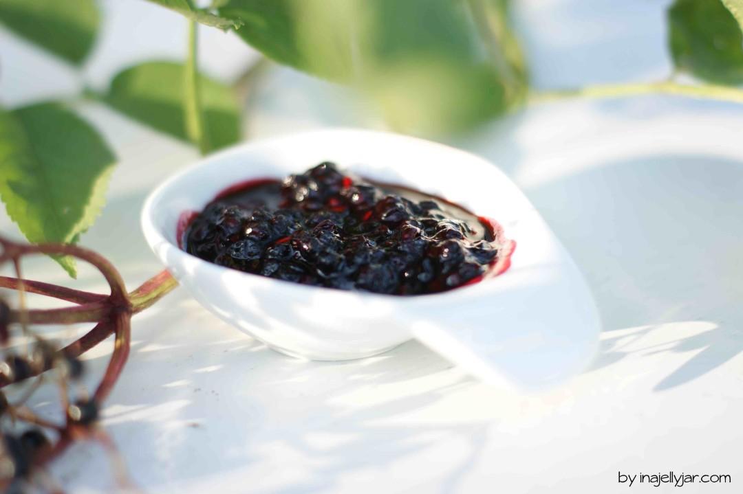 aromatische Holunderbeerenmarmelade mit Birnen