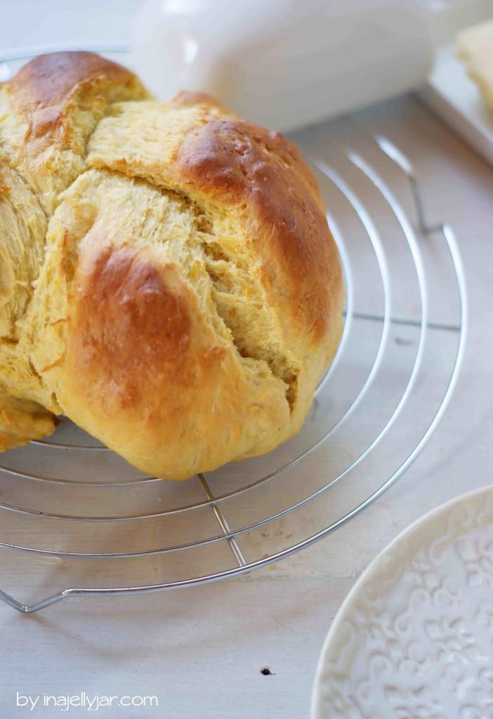 super fluffiges Karotten-Challah Brot