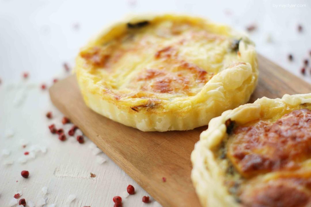 kleine Mangold-Quiches mit Käse und Apfel