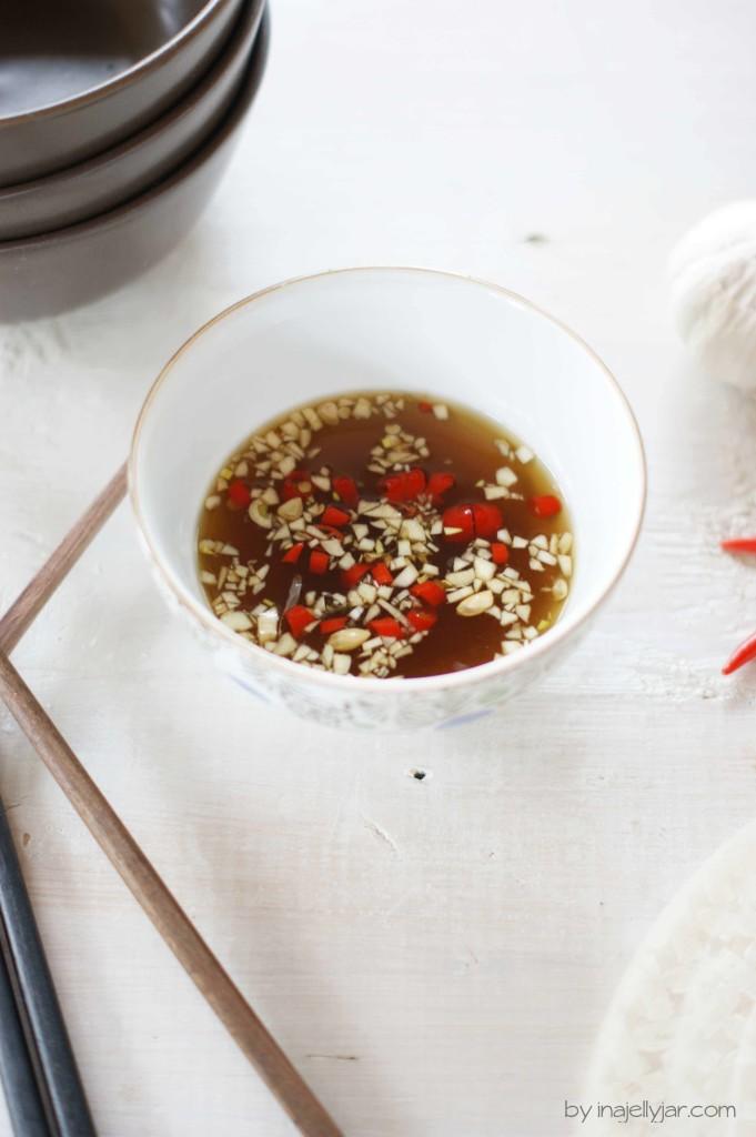 scharfe Thai-Würzsauce mit Fischsauce, Knoblauch und Chilli