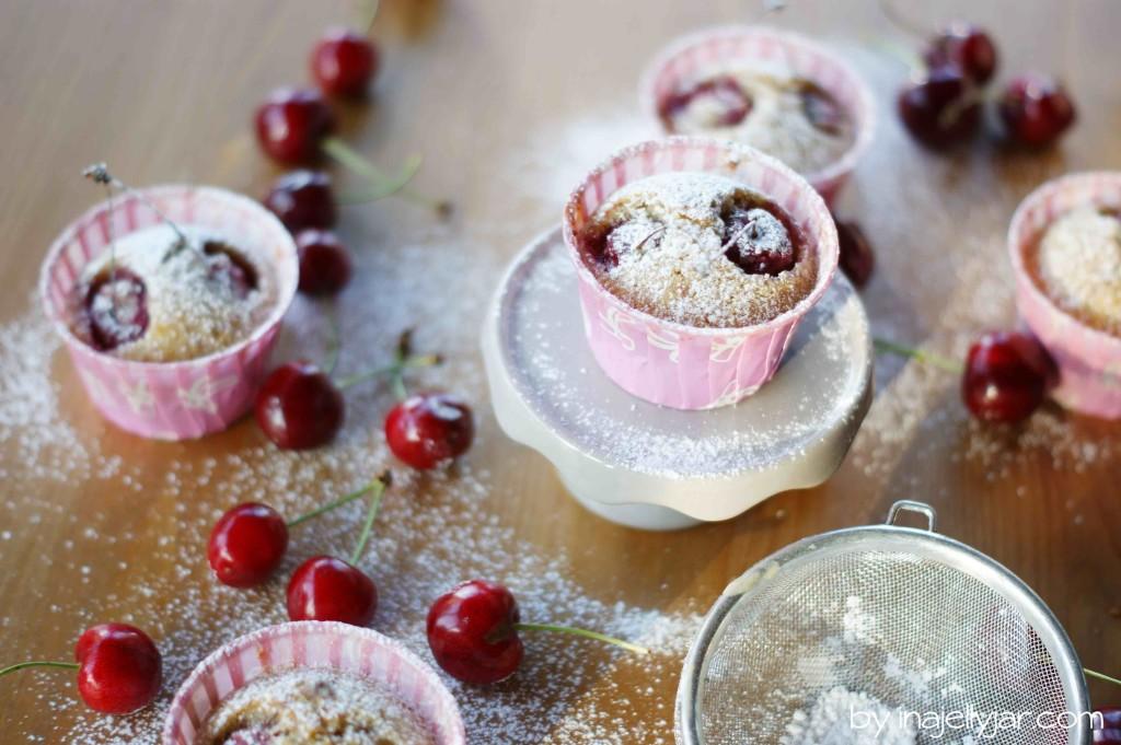 Mandel-Teacakes mit Kirschen, Kirschmuffins, Kirschen, Mandeln, Teacakes, Sommergebäck, Sommermuffin, backen im Sommer, einfach