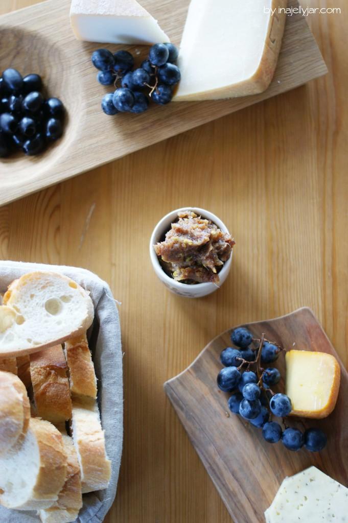 feines Dattel-Ingwer-Pesto - passt herrlich zu Käse und dunklem Brot