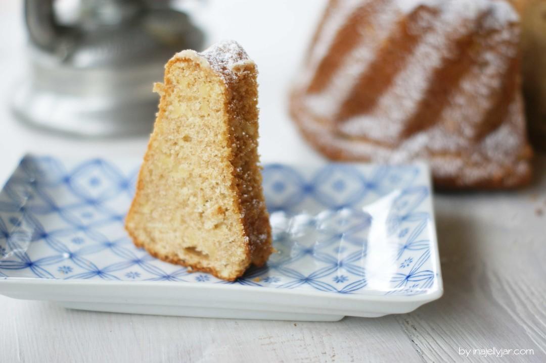 Saftiger Dinkel-Walnuss-Gugelhupf mit Honig