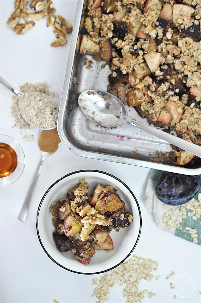 Gebackenes Herbstmüsli mit Zwetschgen - vegan und frei von raffiniertem Zucker