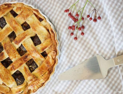 Zwetschen Pie mit knusprigem Teig