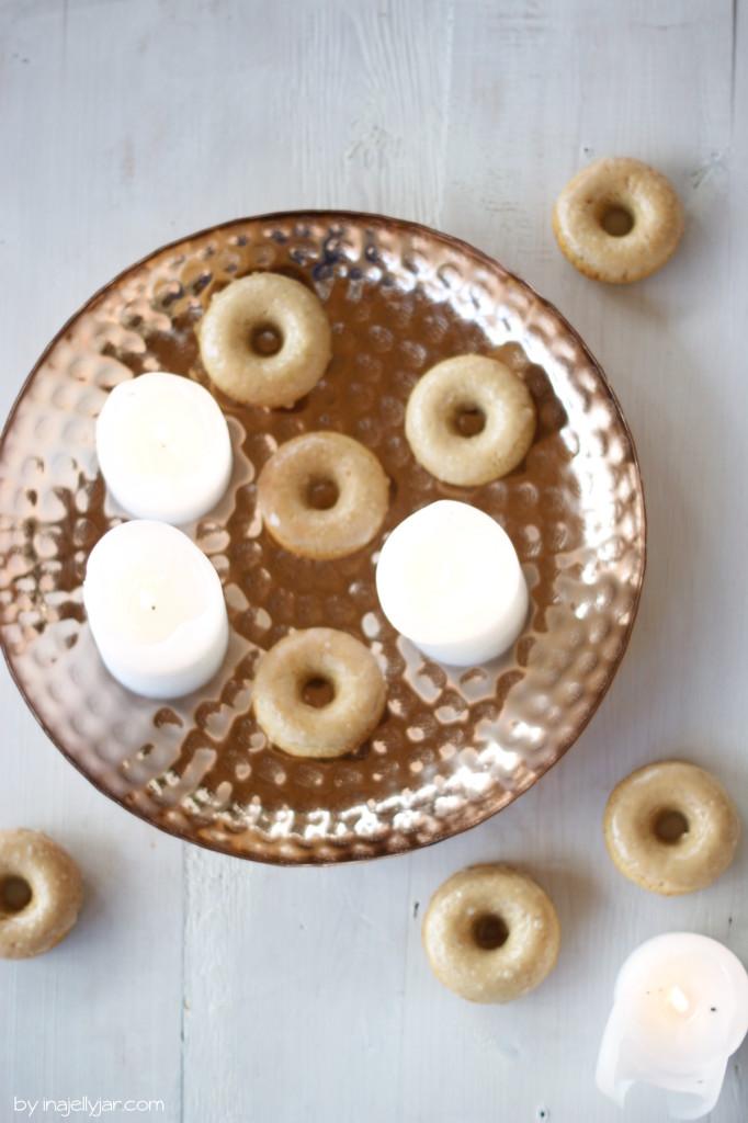 einfache Chaidonuts mit Chai-Glasur