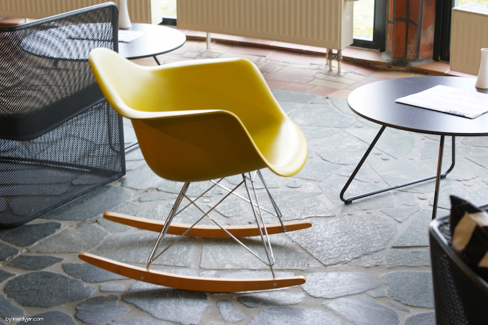 Eames Chair im Rogner Bad Blumau