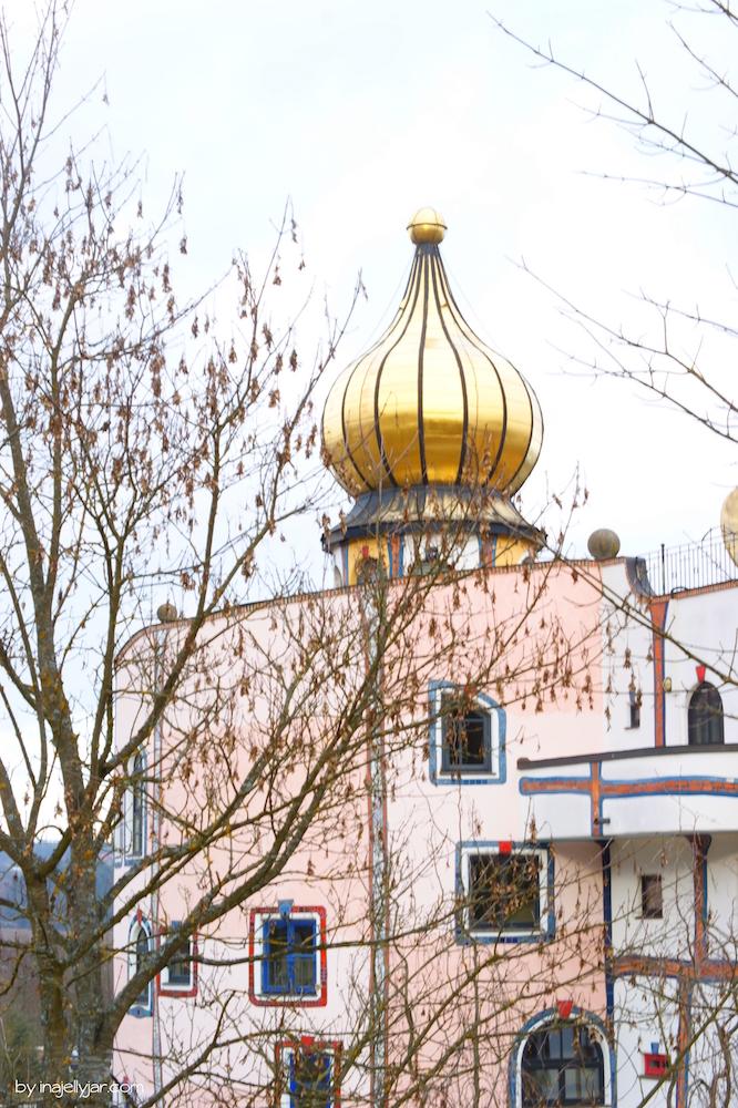 Goldenes Türmchen im Rogner Bad Blumau