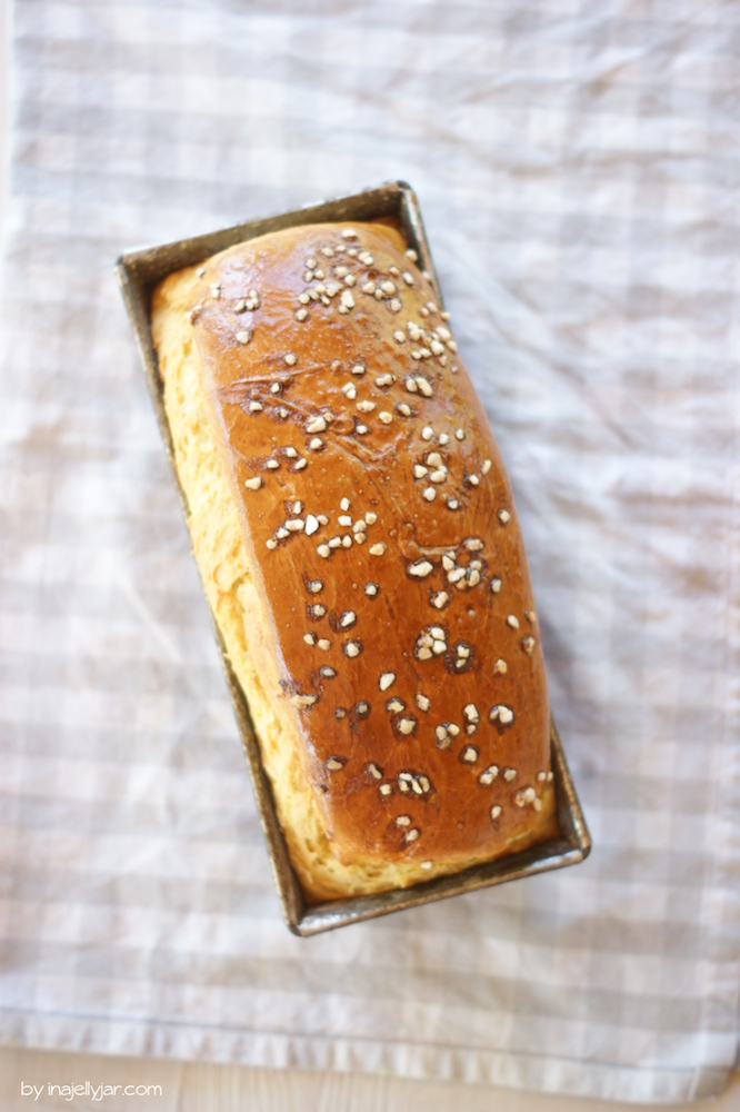Dinkelbrioche backen