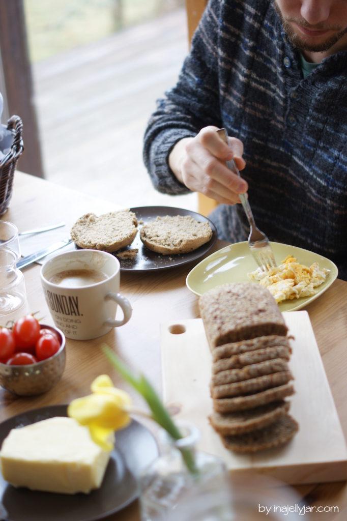 Slowfood Dinkel Kräuter Brötchen fürs Frühstück