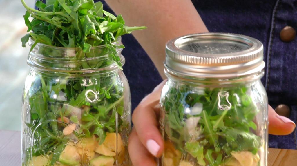 einfacher Schichtsalat
