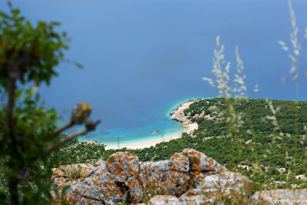 Blick auf den Strand von Lubenice