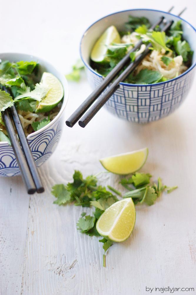 Asiatische Nudeln mit Sesam