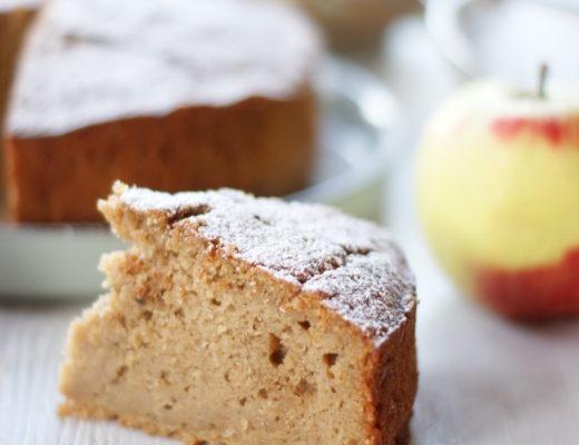 Apfelkuchen mit Masalachai mit Kokosblütenzucker