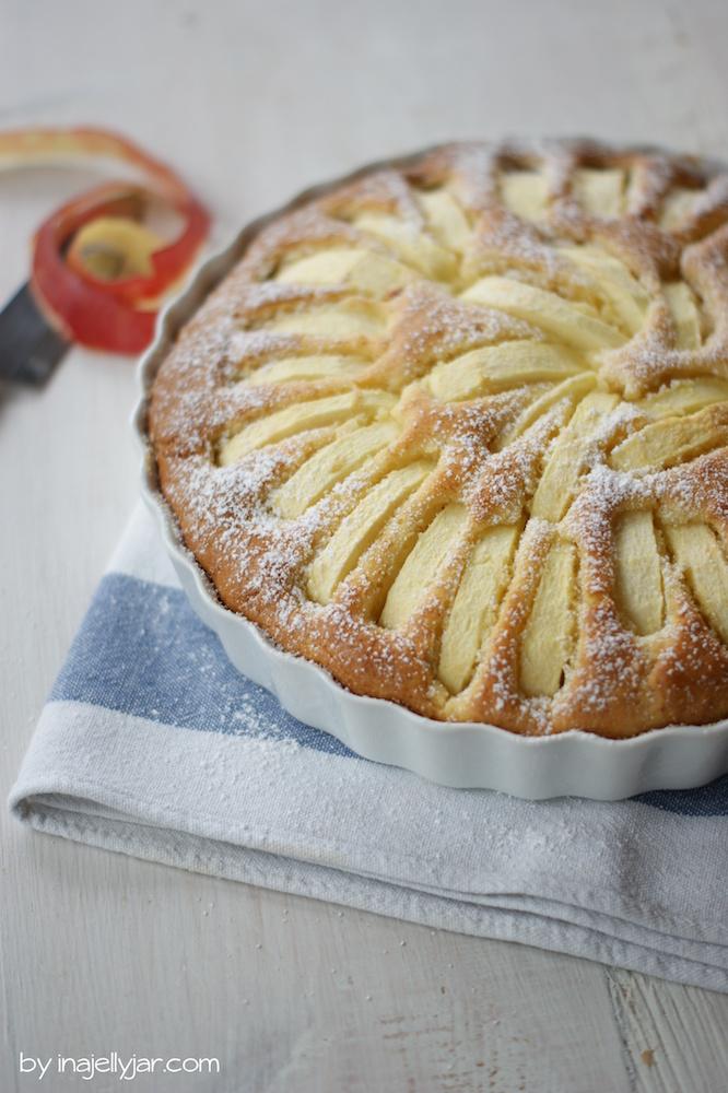einfacher Apfel-Amaretto-Kuchen