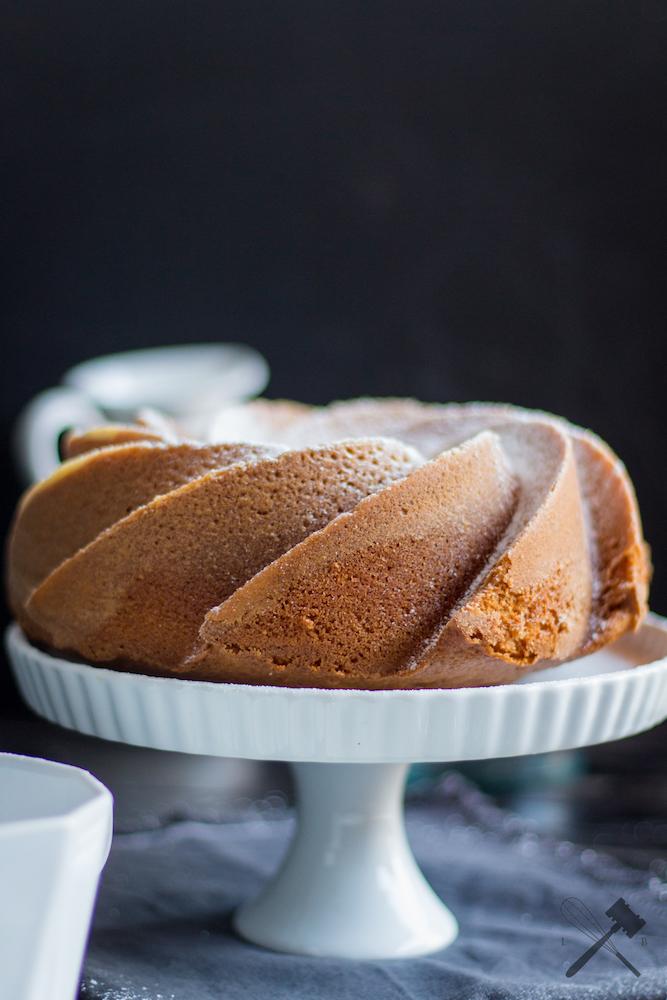 einfacher Karamellpudding-Guglhupf