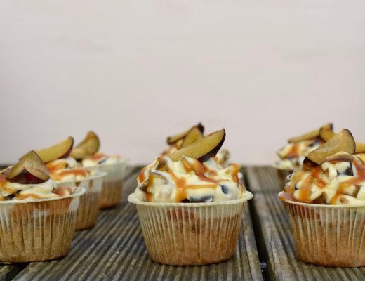 Rezept für Zwetschgen Cupcakes mit Mascarpone und Karamell-Topping