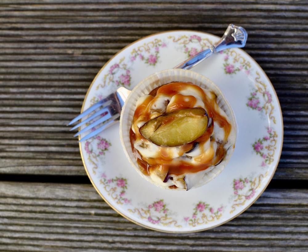 Trendbäckerei: Cupcakes mit Cremehaube und Zwetschgen