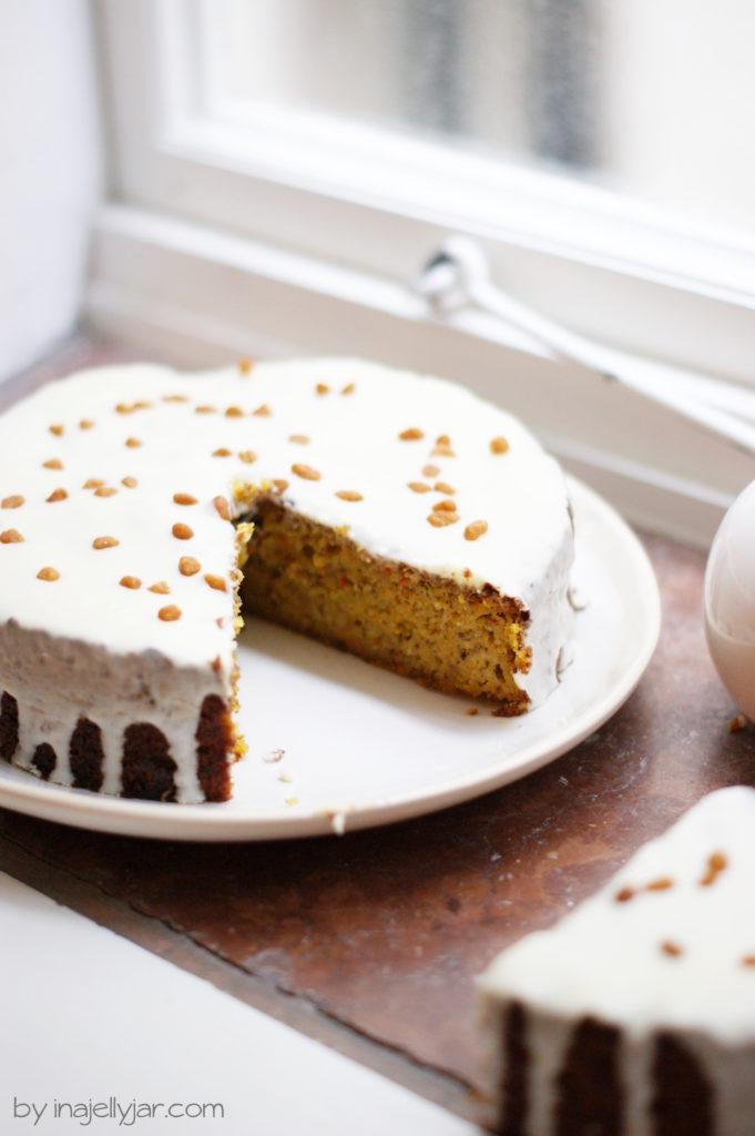 Kürbiskuchen mit weißer Schokolade
