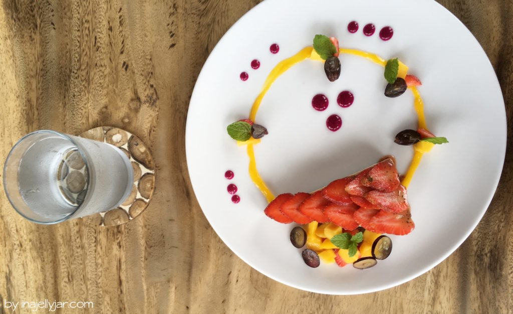 Veganer, roher Cheesecake im Ojas Prana Café in Ubud