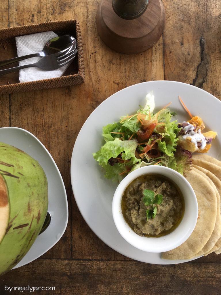 Baba Ganoush und Hummus im Café Pomgranate in Ubud, Bali