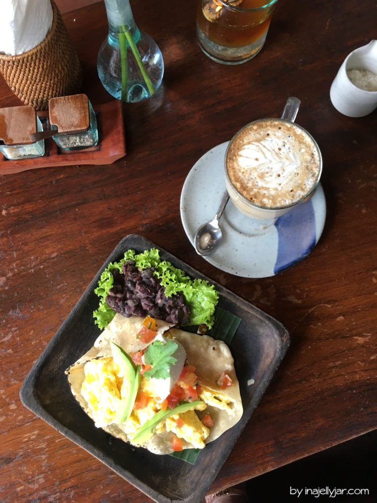 Breakfast Burrito im Kafe, Ubud auf Bali