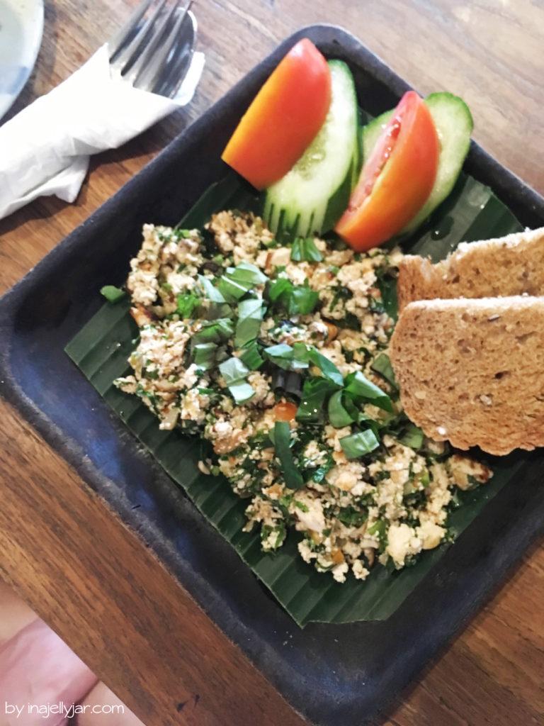 Veganer Scrambled Tofu im Kafe, Ubud auf Bali