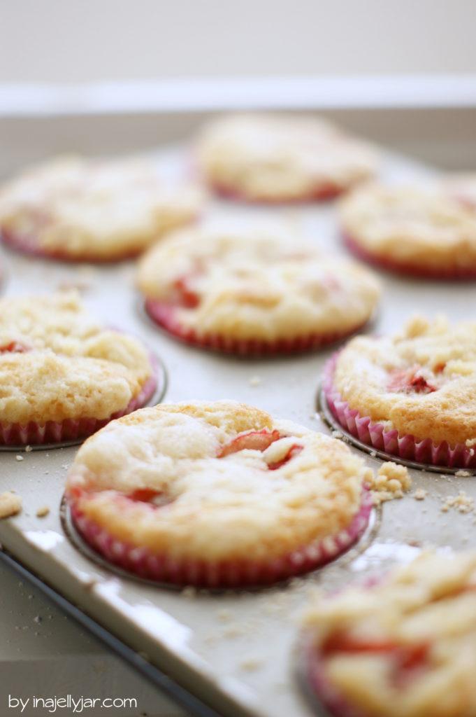 Erdbeermuffins mit Streuseln