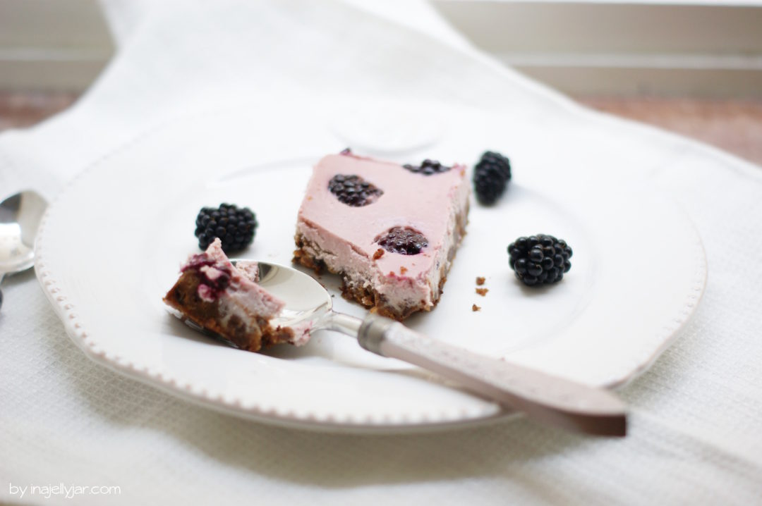 Sommer-Cheesecake mit frischen Beeren