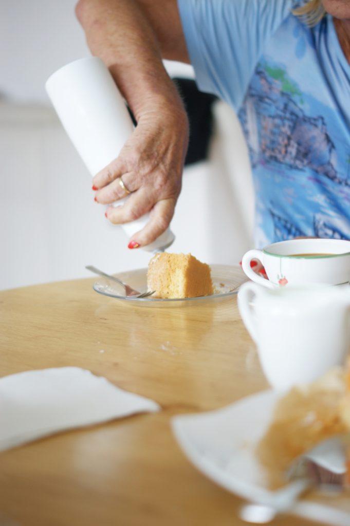 Einfacher Marillenkuchen mit Kokosguss