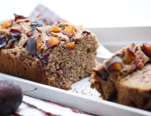Veganer Zwetschgenkuchen mit nussigem Buchweizenmehl