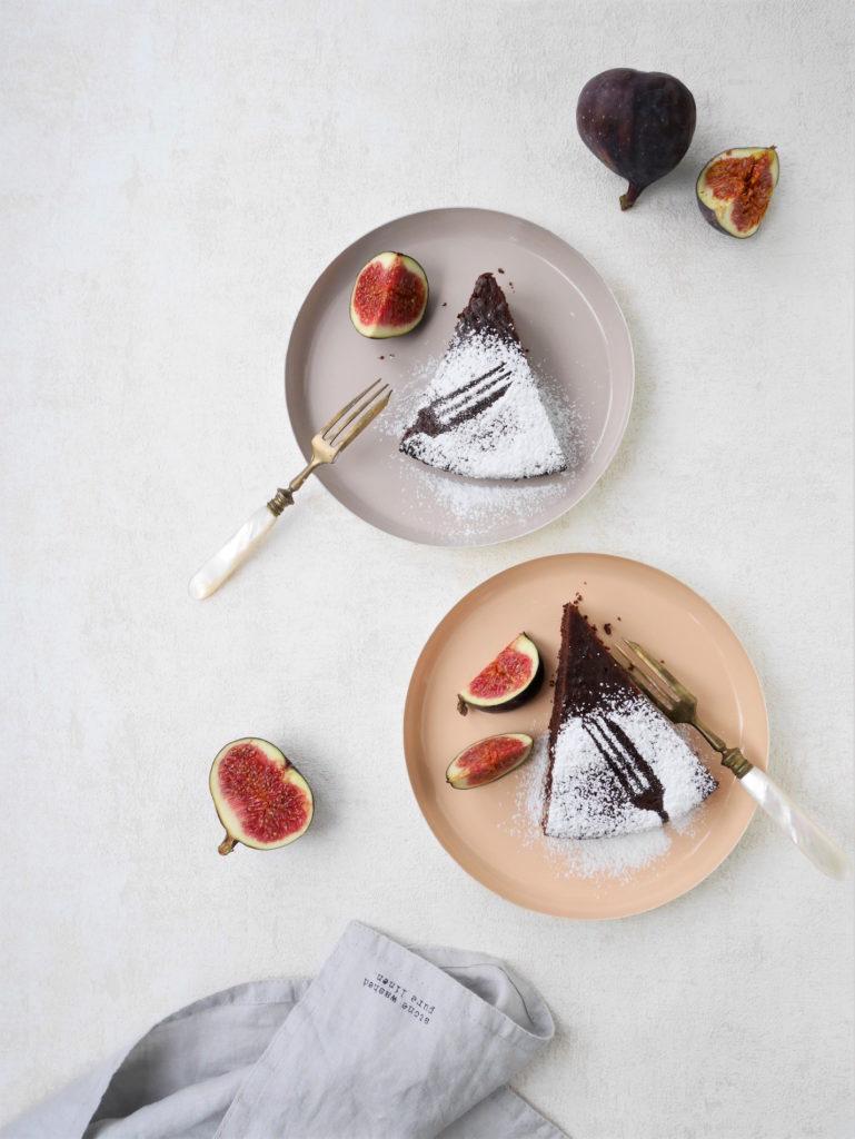 Becherkuchen mit Schokolade und Sauerrahm