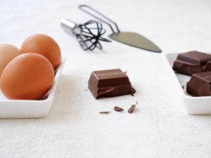 Schokolade: Zutat für den Becherkuchen