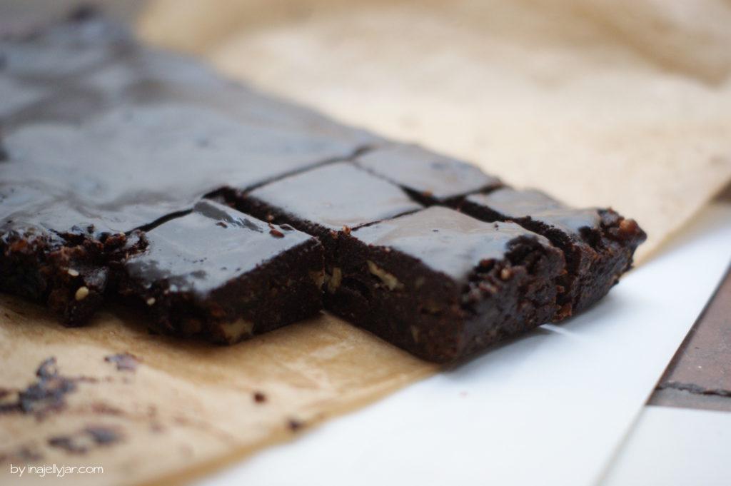 Rohvegane Brownies ganz ohne backen